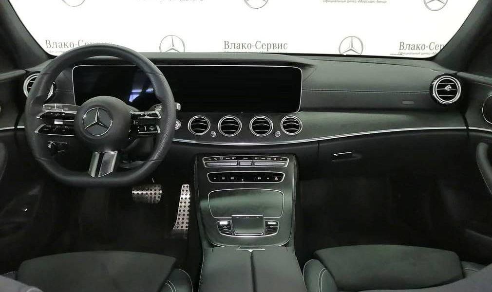 E 200 4MATIC Sedan Sport